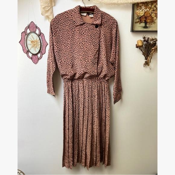 1970's Spotted & Pleated Secretary Dress